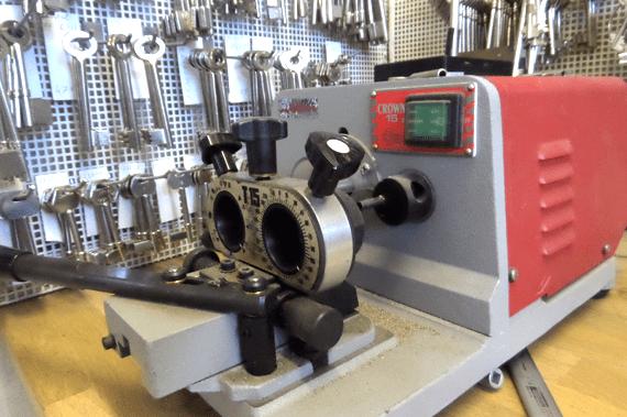 speciale-machine-voor-kluissleutel-duplicatie